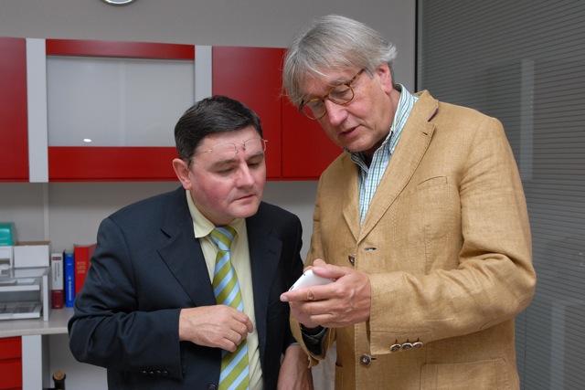 Landrat Erwin Schneider beim Informationsaustausch mit Dr. Capelle